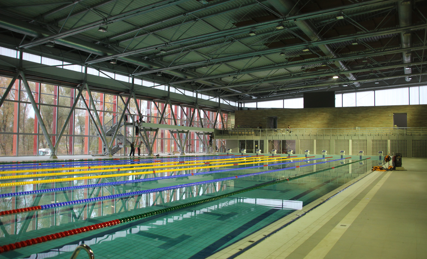 acoustic_ceiling_gyor-city-swimming_pool_hungary_1.png